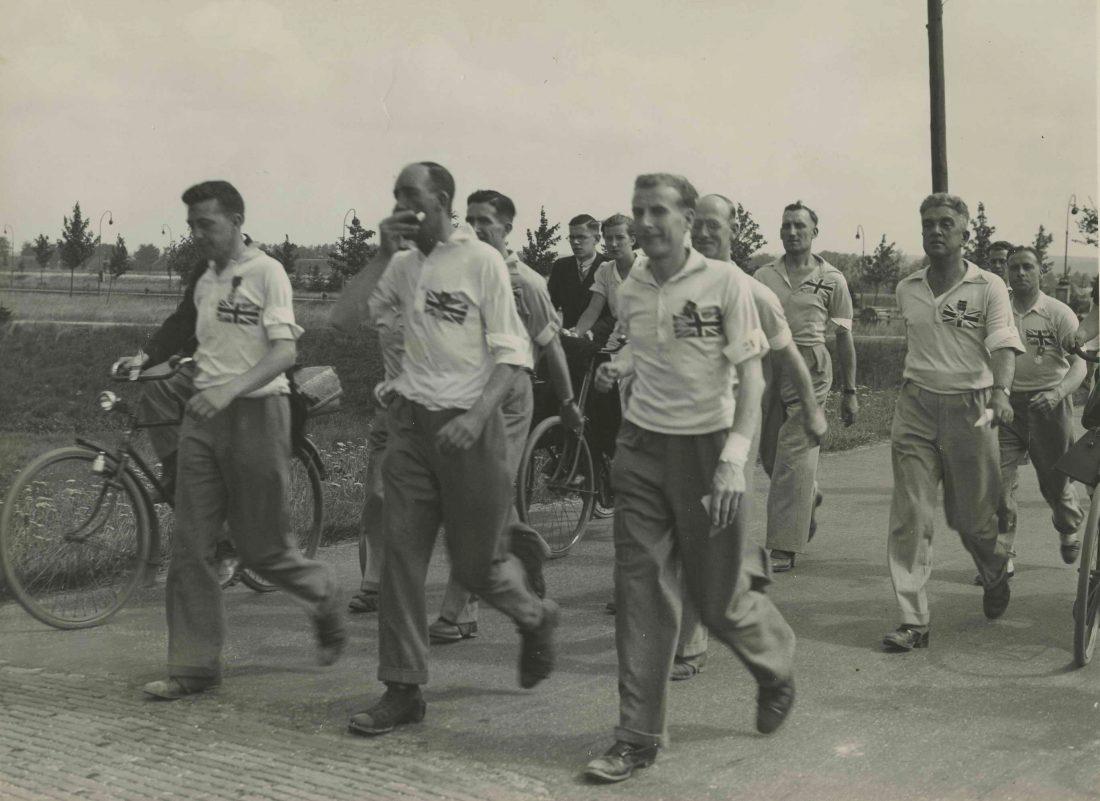 גברים מנבחרת אנגליה בהליכה 1936